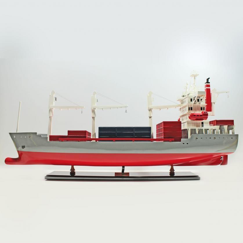 Handgefertigtes Schiffsmodell aus Holz eines Bulk Carriers