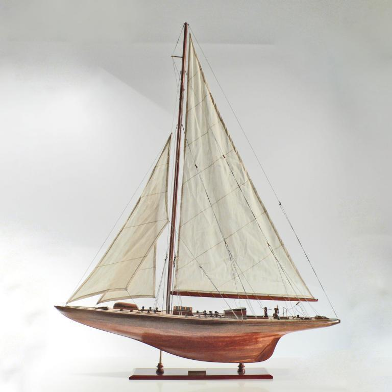 Endeavour Segelyachtmodell