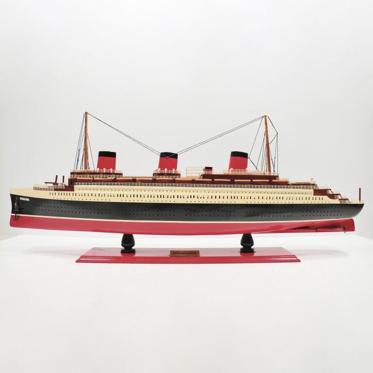 Normandie Schiffsmodell