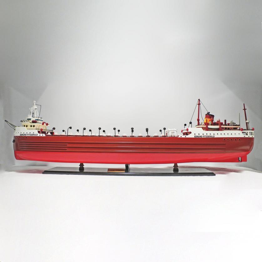 Handgefertigtes Schiffsmodell aus Holz der Edmund Fitzgerald bekannt aus dem Gedicht