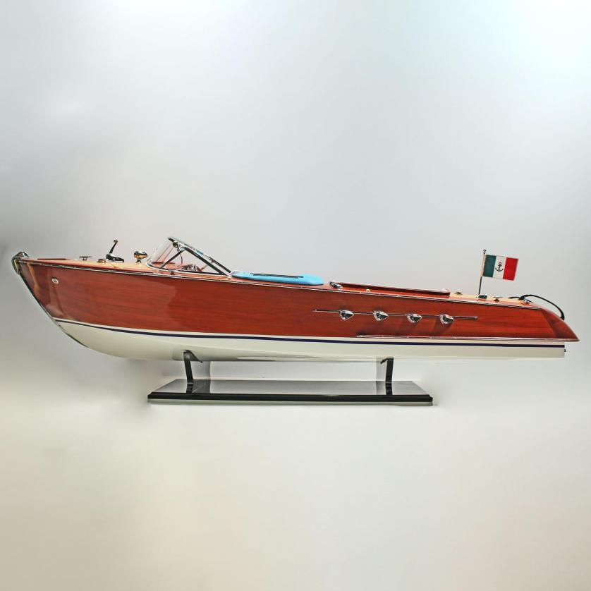 Handgefertigtes Schiffsmodell aus Holz der Riva Aquarama