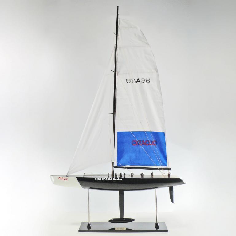 Handgefertigtes Segelschiffmodell der BMW Oracle