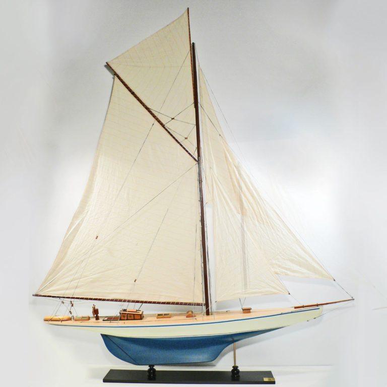 Handgefertigtes Schiffsmodell aus Holz der Defender (blau, weiß)