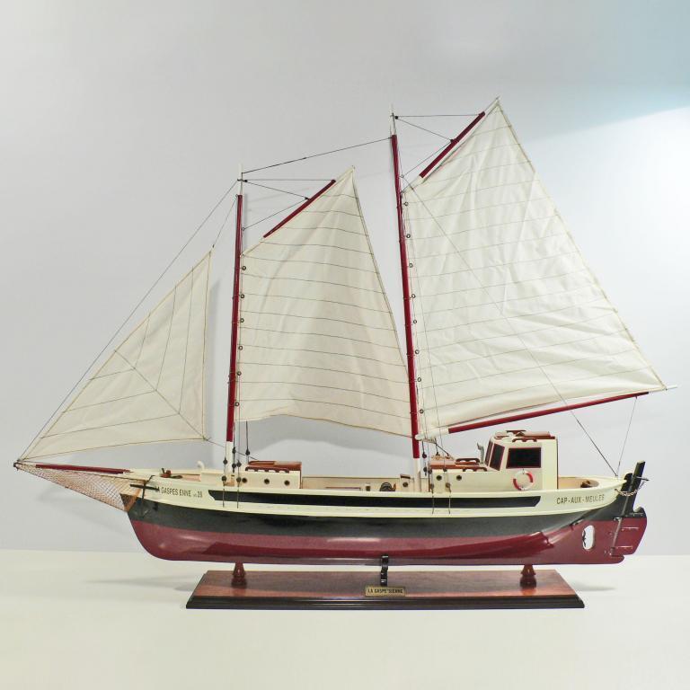 Handgefertigtes Segelschiffmodell der