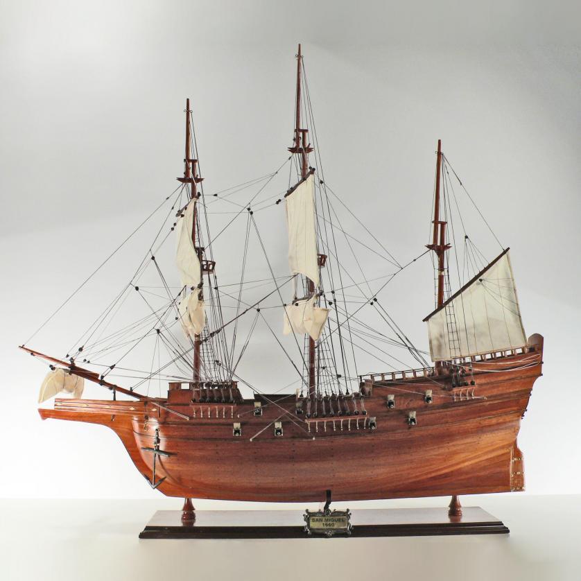Handgefertigtes Schiffsmodell aus Holz der San Miguel