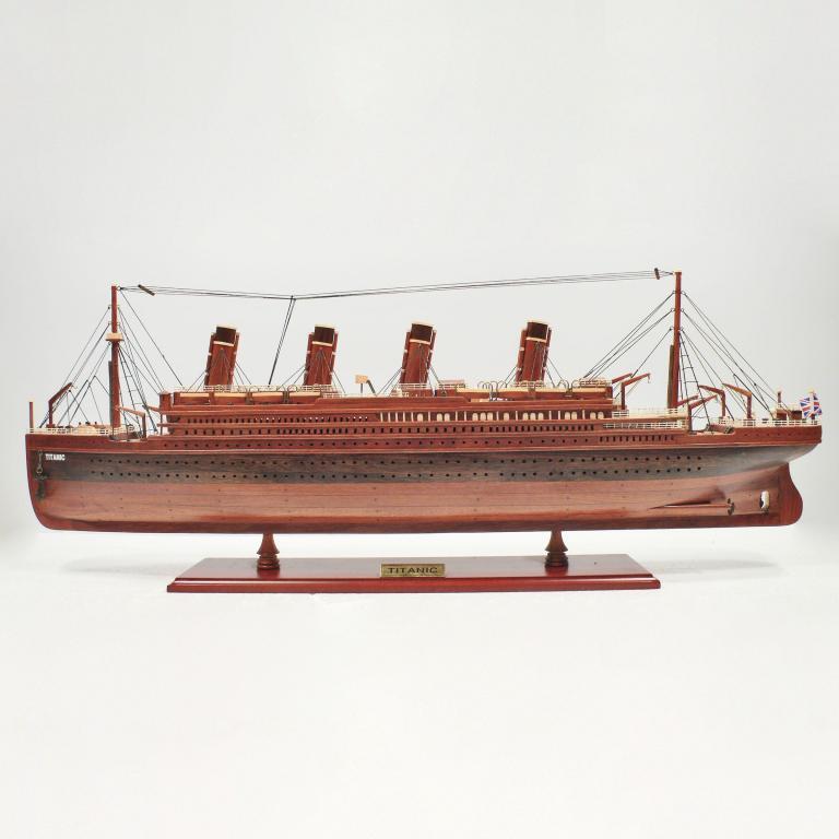 Handgefertigtes Schiffsmodell aus Holz der Titanic (Holz)